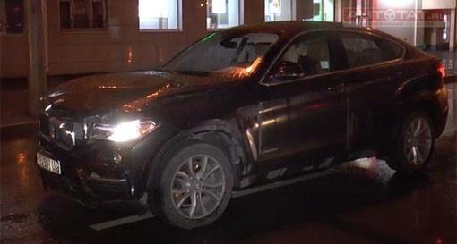 ВКазани наулице Татарстан БМВ Х6 насмерть сбил пешехода