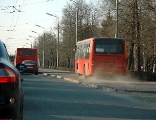 ГИБДД Казани натекущий момент ищет водителя, изавтобуса которого выпала женщина