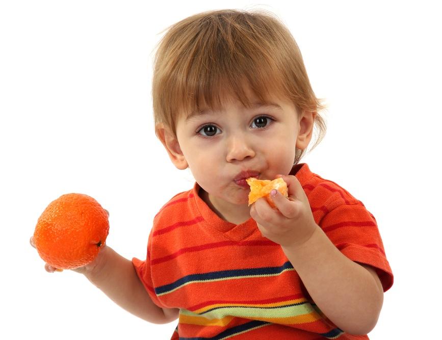 Чаще всего реакция на употребление мандарина представляет собой появление высыпаний на коже ребенка