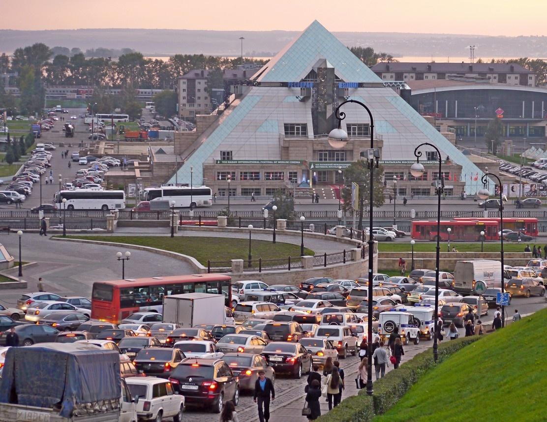 Автомобилистов Казани к 2035 пересадят на публичный транспорт