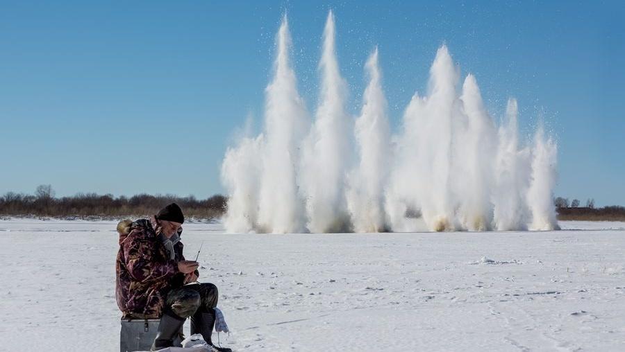 Специалисты продолжат взрывать лед на Томи для облегчения ледохода