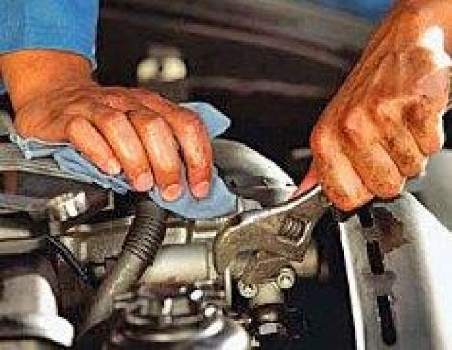 Услуги по обслуживанию и ремонту автомобилей