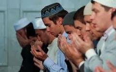 Новости  - На праздничную проповедь в Кул-Шариф собрались сотни верующих