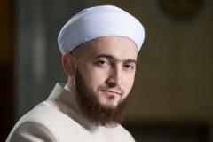 Новости  - Муфтий республики осудил певицу, станцевавшую в клипе возле Белой мечети