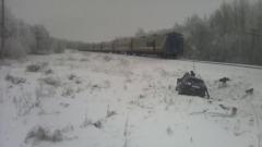 Поезд протаранил автомобиль в Чувашии