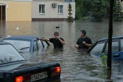 Новости  - Казань продолжает стоять в пробках из-за сильного дождя
