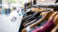 Новости  - В Казани установили ещё один контейнер для сбора одежды нуждающимся