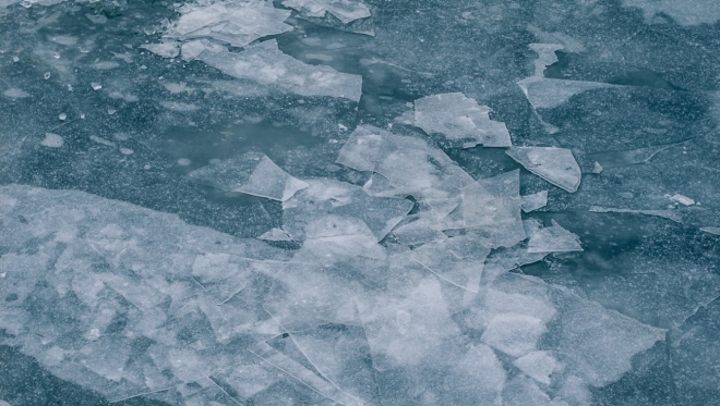 МЧС предупреждает об опасности выхода на лед