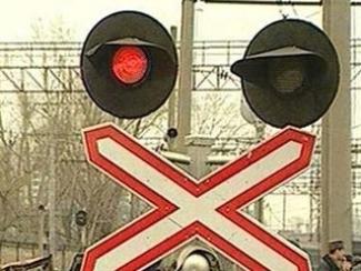 В Казани 25-летний водитель легкового автомобиля погиб при столкновении с поездом