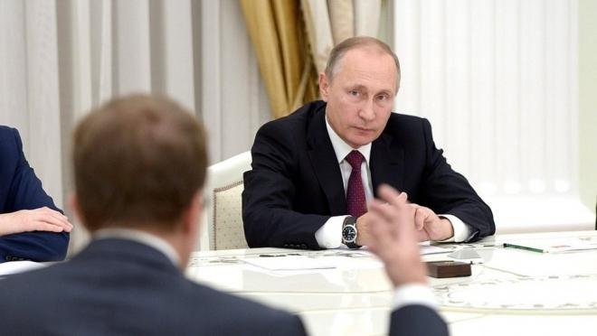 Владимир Путин провел телемост из КФУ с ведущими учебными заведениями страны