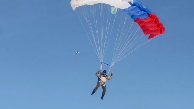Новости  - В Мензелинском районе Татарстана разбились двое парашютистов
