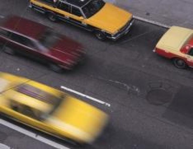Осторожность водителей и разумность пешеходов