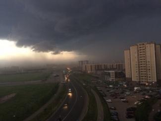 Казань пережила шторм: дороги-реки и потоп в «Эльдорадо»