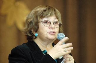 Народная артистка России Алла Сурикова приглашает на творческий вечер