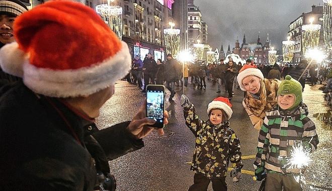 Более 8 млн россиян приняли участие в новогодних гуляниях