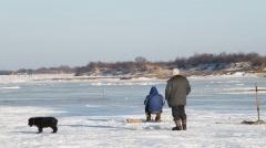 Новости  - Двое рыбаков пошли на дно на реке Кама