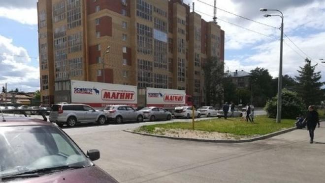 На Горьковском шоссе в Казани столкнулись несколько авто сразу