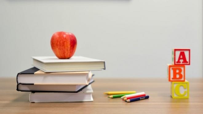 В Госдуме предложили продлить летние каникулы для школьников и студентов