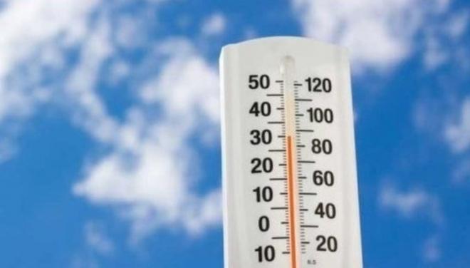 Роспотребнадзор рекомендовал работодателям сокращать часы работы в жару