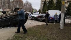 Новости  - В Бугульме произошло массовое ДТП с участие машины полиции
