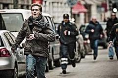 Новости  - В Челнах задержанный сбежал из остановившегося на светофоре автомобиля полиции