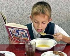 Новости  - 84 тысячи школьников Казани питаются по пластиковой карте