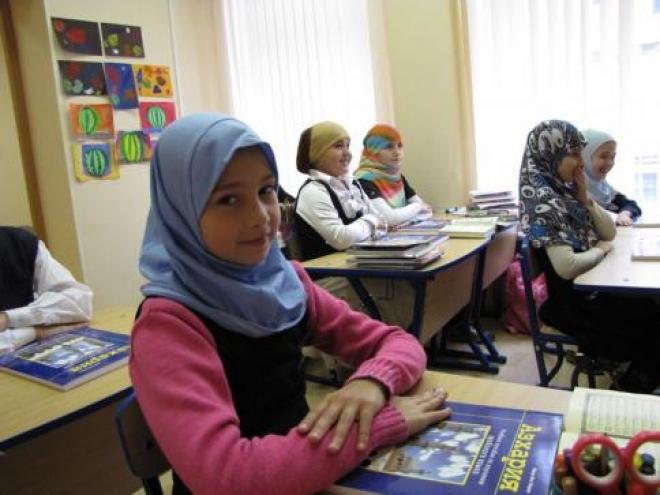 """Более половины родителей Татарстана за изучение детьми """"Основ мировых религий"""""""