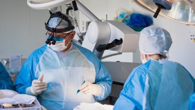 Новости  - Врачи ДРКБ провели уникальную операцию на мозг новорождённого