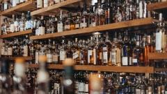 В Минфине рассматривают возможность повышения возраста продажи алкоголя