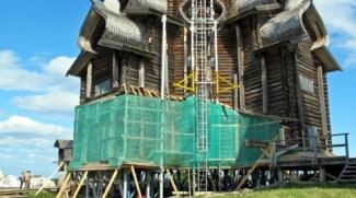 Минниханов поручил восстановление сгоревших церквей лесникам