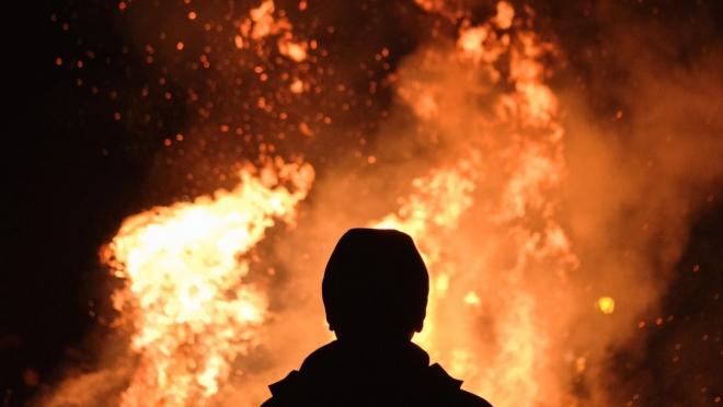 В деревне Вишневая Поляна в Татарстане двое погибли в пожаре