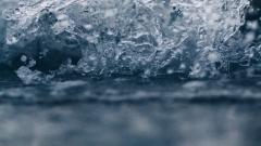 13% россиян планируют принять участие в крещенских купаниях