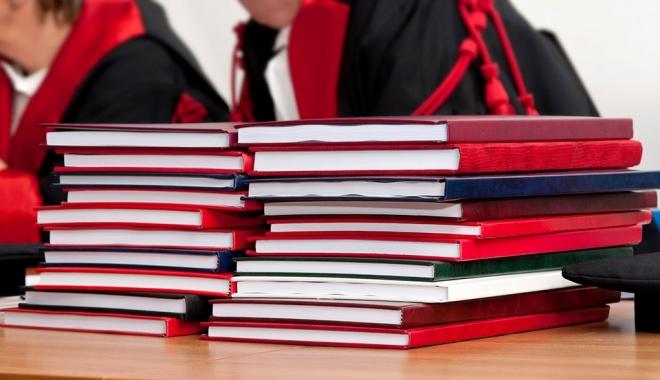 В России сократилось число кандидатских и докторских диссертаций вдвое