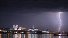 Новости  - Четыре дома сгорели в столице Татарстана из-за удара молнии