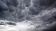 Синоптики прогнозируют сильное усиление ветра