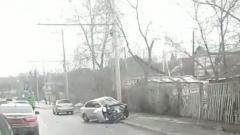 Новости  - На Фермерском шоссе женщина врезалась в опору ЛЭП