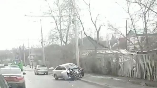 На Фермерском шоссе женщина врезалась в опору ЛЭП