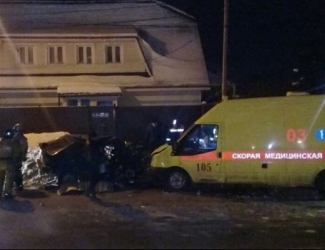 В Казани пьяный водитель протаранил «скорую», один человек погиб