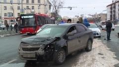 Новости  - В Казани внедорожник сбил сотрудника ГИБДД на службе