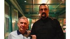 Новости  - Президент РТ в социальной сети разместил фото со Стивеном Сигалом