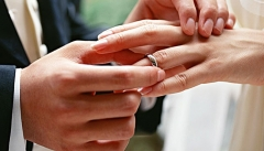В России стали реже заключать официальный брак