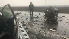 На трассе Татарстана два автомобиля столкнулись лоб в лоб