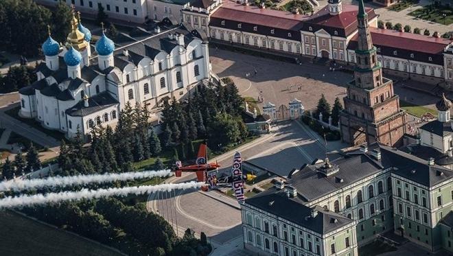 Пилоты Red Bull Air Race поделились фото Казани с высоты птичьего полета