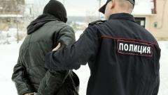 Новости  - 9 мая мужчина устроил стрельбу в подъезде жилого дома