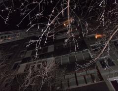 Новости  - В Казани из горящего дома эвакуировали 20 человек, один человек погиб
