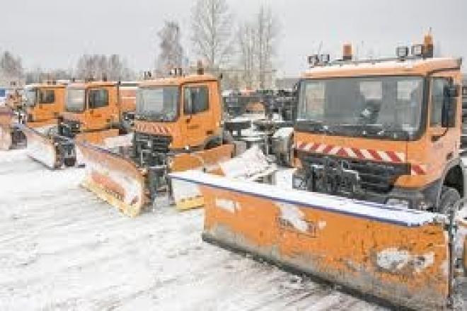 В Казани после первого сильного снегопада на уборку вышло 194 машины