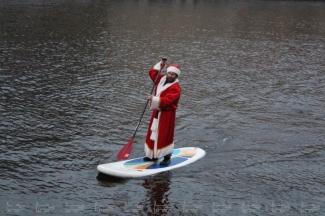 «Зажигать» главную ёлку Казани будет Дед Мороз с веслом