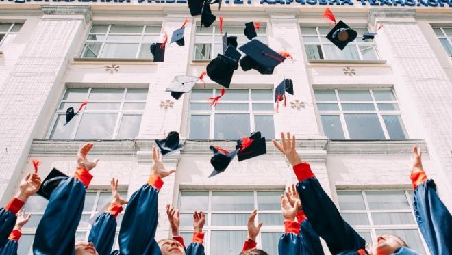 С 2021 года российские ВУЗы будут выдавать цифровые дипломы