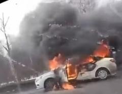 Новости  - В Казани Lada Vesta загорелась на ходу