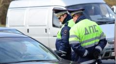 Новости  - В ГИБДД рассматривают возможность увеличение штрафа за езду без прав.